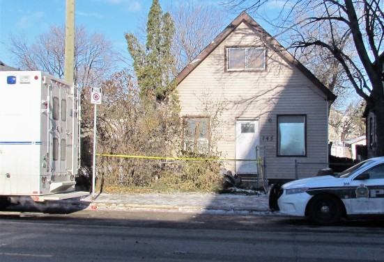 Winnipeg police were still at the scene of the city's latest homicide on Thursday. Photo: Northern Plains Freelancer.